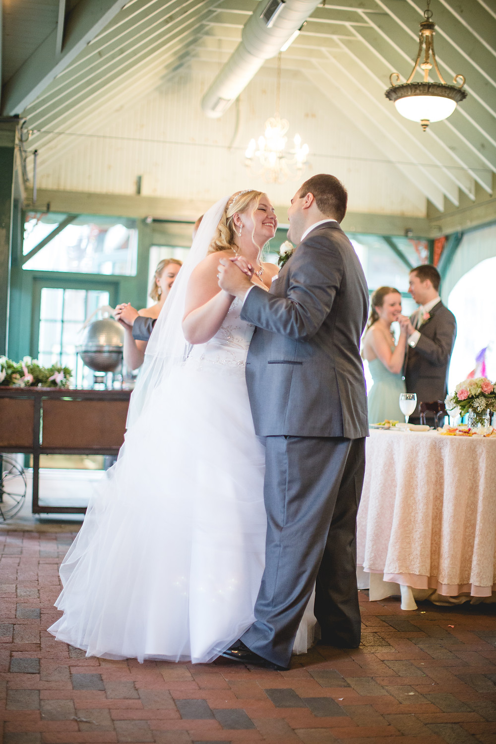 Vandiver Inn Weddings; Baltimore Photographer