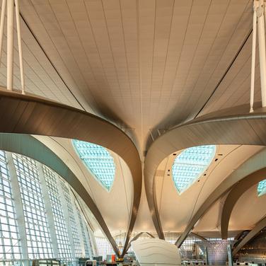 Abu Dhabi Airport, interior