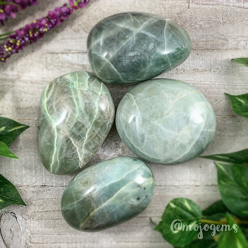 Garnierite Palm Stone, Medium