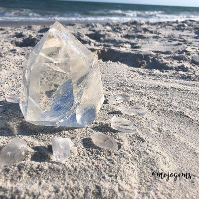 clear-quartz-point-36-4-oz.JPG