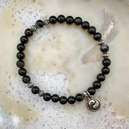 banded-black-agate-yin-yang.JPG
