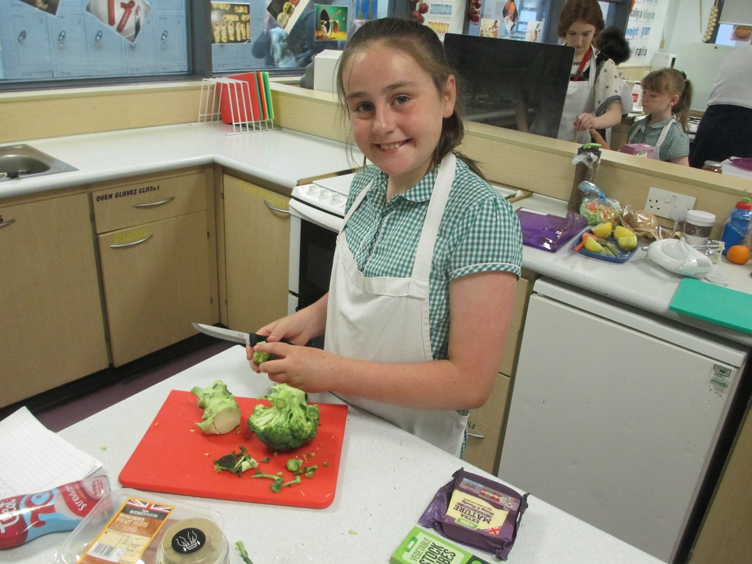 Aimee McGuirk of Shakespeare School chopping veg web