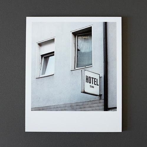 Polaroid Hotel Sun