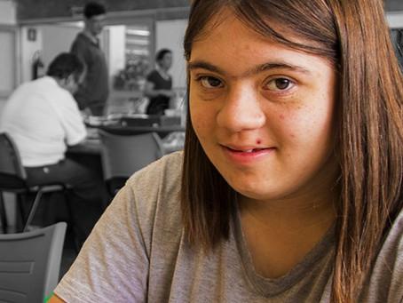 Entrevista – A inclusão das pessoas com Síndrome de Down na escola é possível?