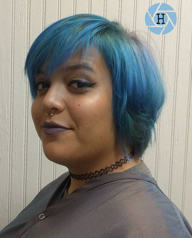 Root Smudge Vivid Blue Hair
