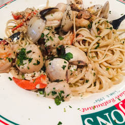 Anjon's Italian Restaurant, Scarborough, Maine (11/27/14)