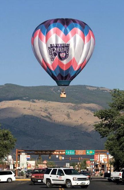 BALLOON IN FLIGHT.JPG