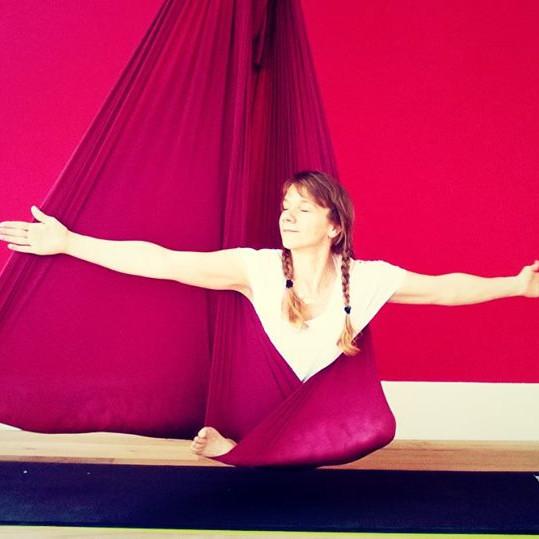 Aerial YIN Yoga Deep