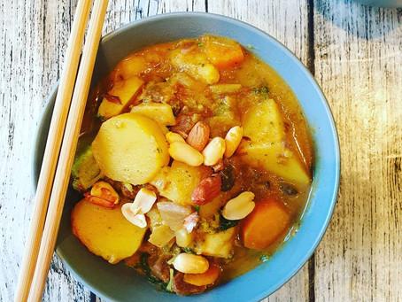 Veganes Curry mit Jackfruit und Kartoffeln