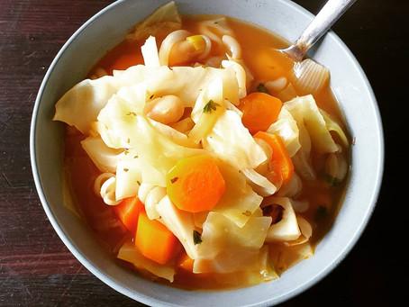 Veganer, toskanischer Gemüseeintopf