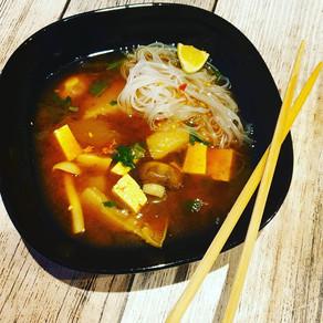 Miso Suppe mit Feto und Glasnudeln