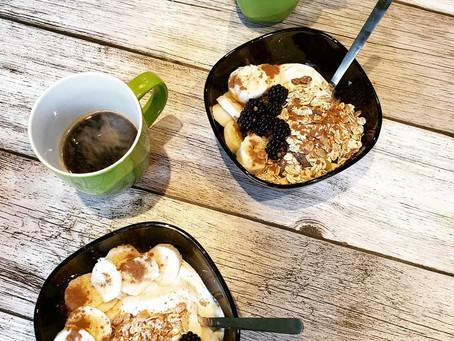 2x Frühstücksbowl mit Joghurt