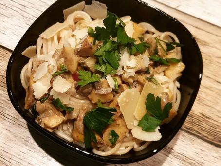 Spaghetti mit Maronen und Champignons in Weißwein-Sahnesoße