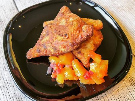 Vegane Samosas mit Mango Chutney