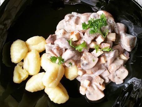 Gnocchi mit Pilz-Räuchertofu Ragout