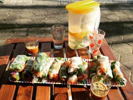 Vegane Sommerrollen mit Erdnuss-Sojasoße Dip