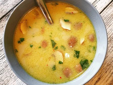 Thailändische vegane Kokossuppe