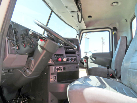 2013 Mack Winch Truck 7.jpg