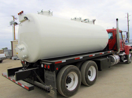 80 bbl vac with side ladder 5.JPG