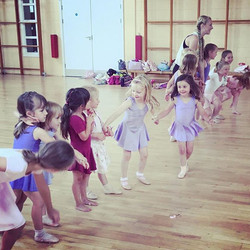 Best job in the world spending my week with these #beautiful #babyballerinas _royalacademyofdance #r