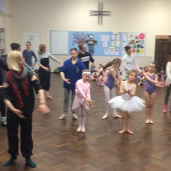 Thank you so very much to the _viennafestivalballet for visiting our dance school and giving our stu