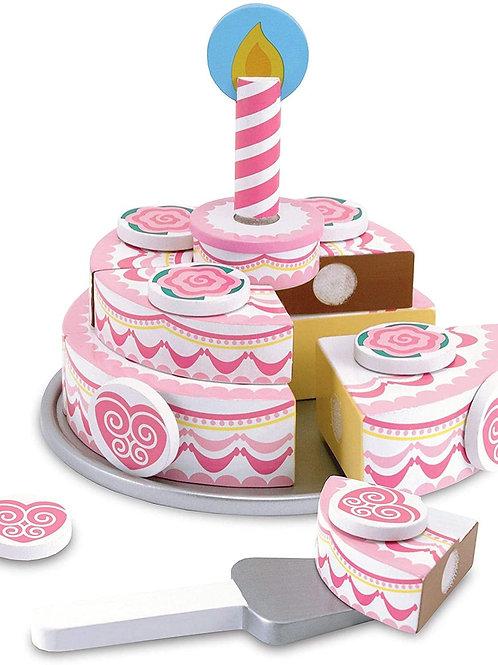עוגת יום הולדת קומות מעץ