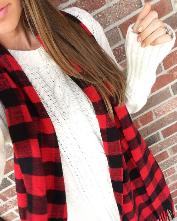 3 Thanksgiving Looks with One Cozy Knit