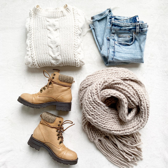 Hello FRIDAY! Cozy Weekend Style