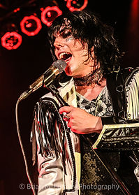 BML_Photography_392_RT_The Struts_House