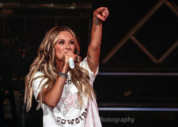 BML_Photography_0145_RT_Carly Pearce_Blo