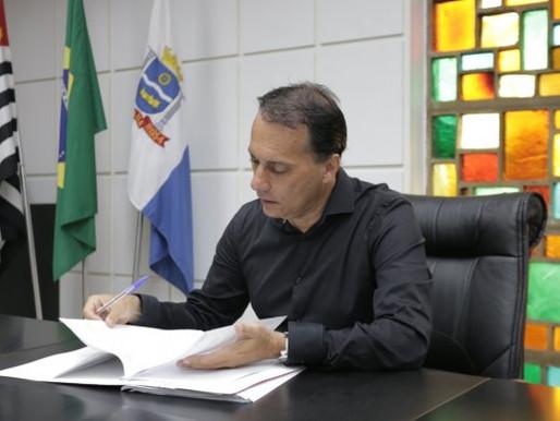 EM REUNIÃO COM COMERCIANTES, ÁTILA FALA QUE LOJAS NÃO SERÃO FECHADAS