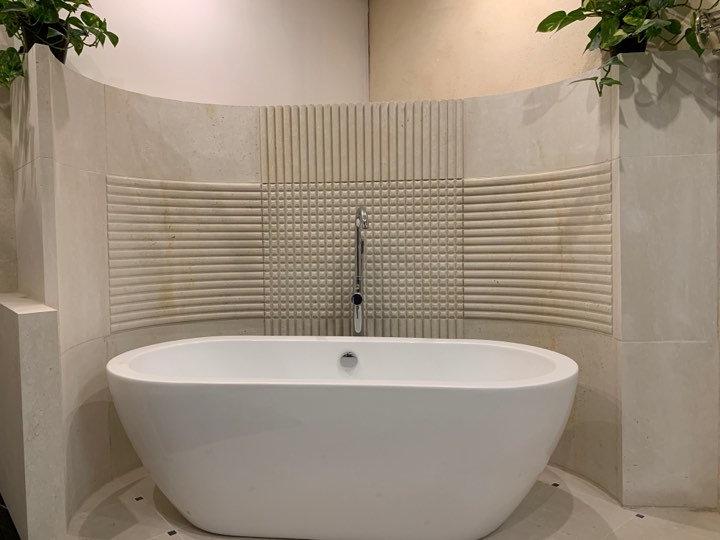 Entourage de baignoire en pierre naturelle