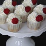Cupcakes mit Himbeeren
