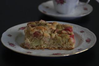 Der saftigste Rhabarberrührkuchen