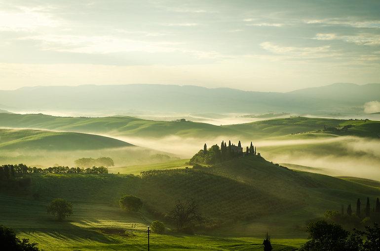 foggy-hills-3892172.jpg