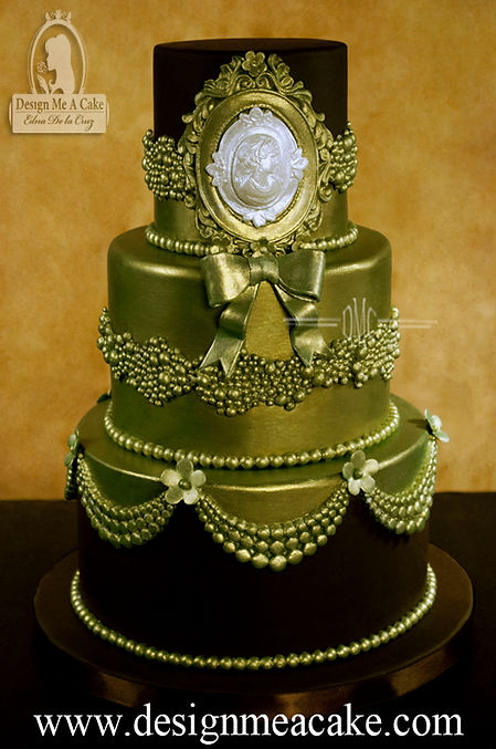 Green pearls and chocolate cake design