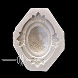 Cameo Mold for cakes
