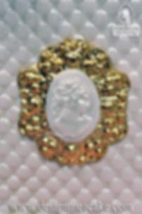 Gumpaste Medallion