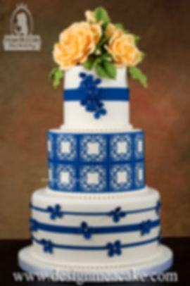 Beautiful cake with a trellis design.