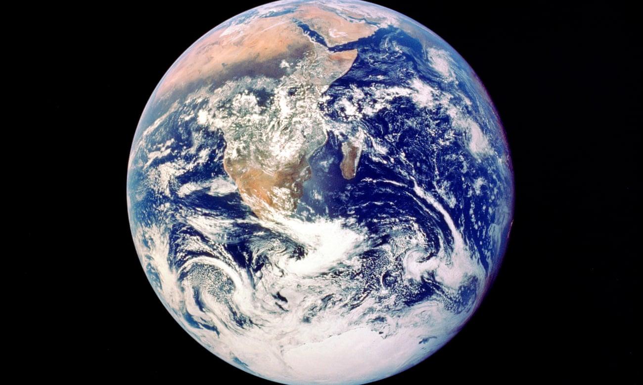Una conciencia global instantánea': la Tierra vista desde la misión Apolo 17 en 1972. Los astronautas han informado de una intensa sensación al ver la Tierra desde el espacio, conocida como el 'efecto de visión general'. Fotografía: Getty Images