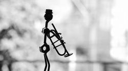 musician_pipe_metal_statue_106788_1280x720
