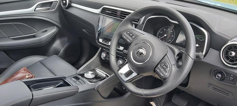 MG ZS interior