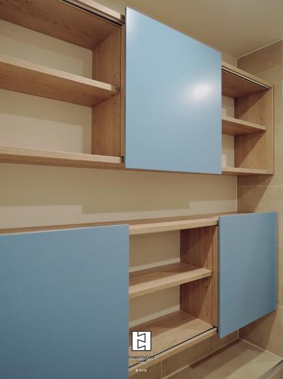 Pharmacy cabinet
