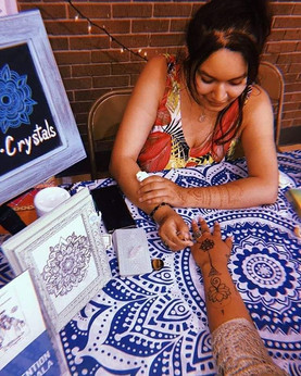 Snaps from Halana's Fair 🔮💜 Henna is c