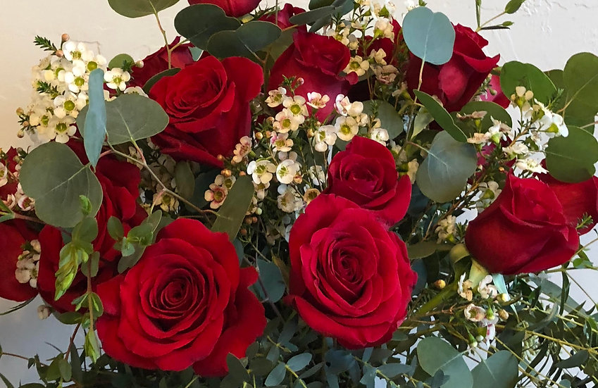 Hand-tied Dozen Roses