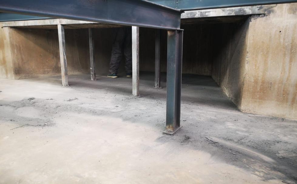Clean Pit Under Grills 2.JPG