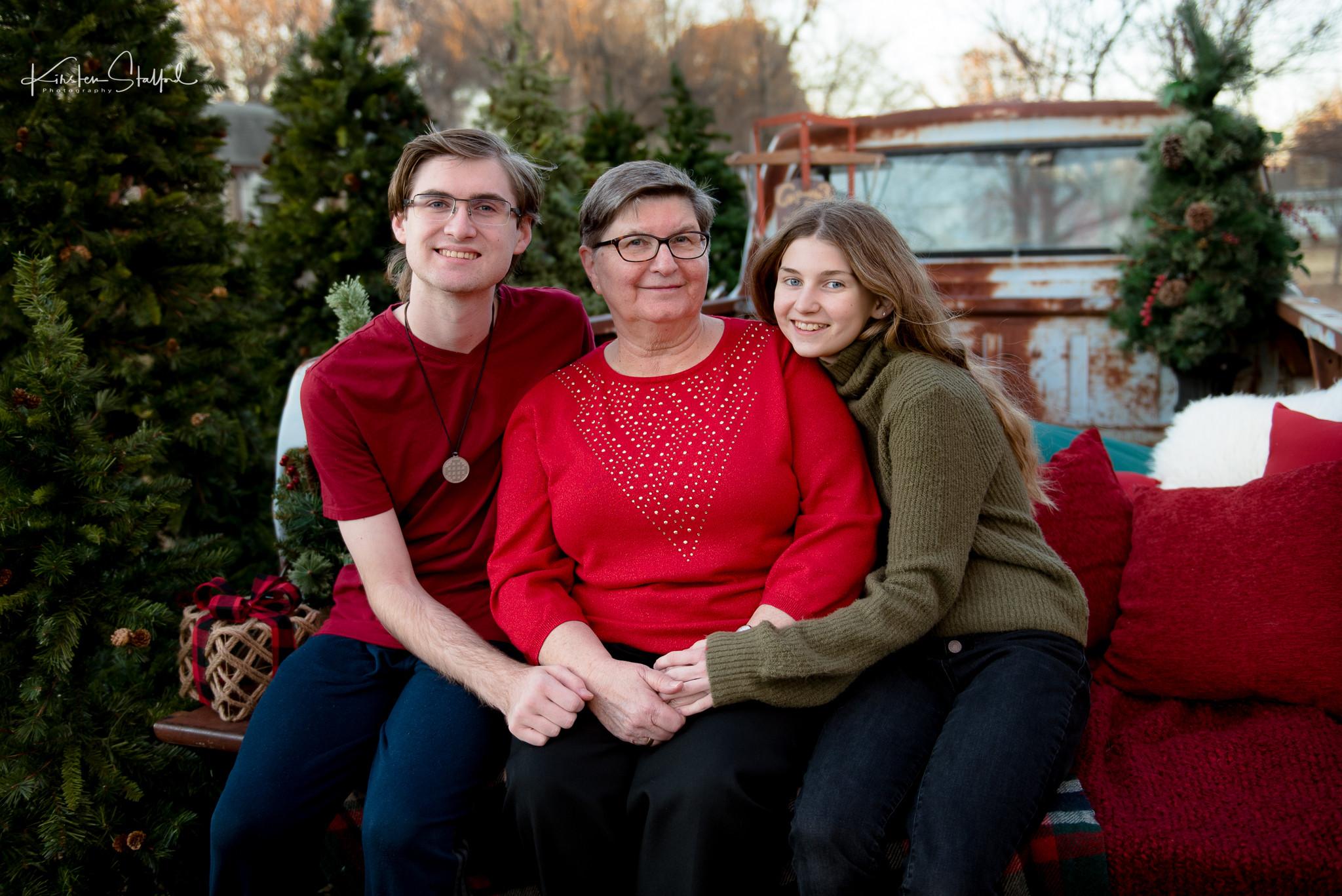 Christmas Tree Truck Mini Session