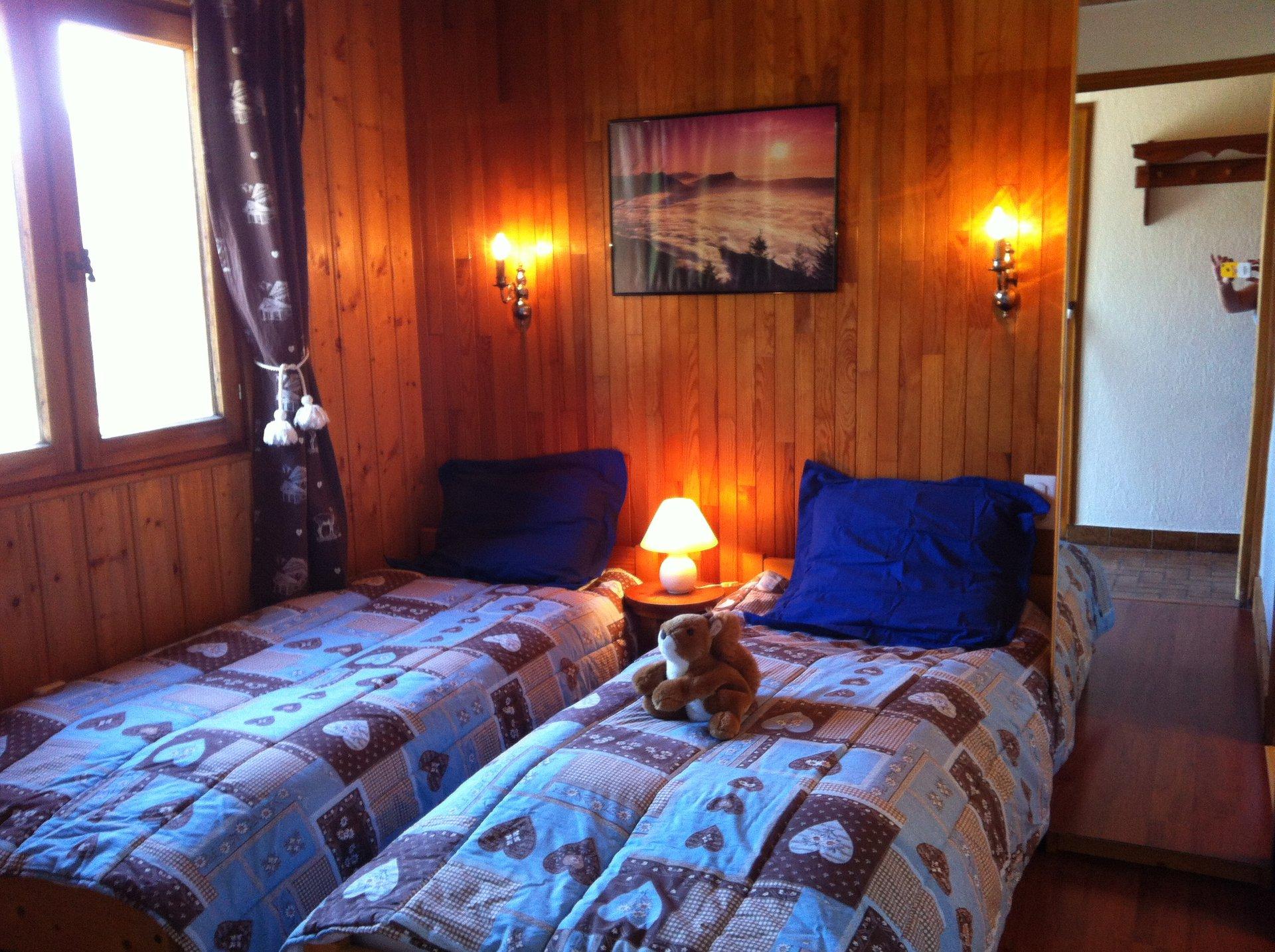. . .  chambre cosy  UBAC