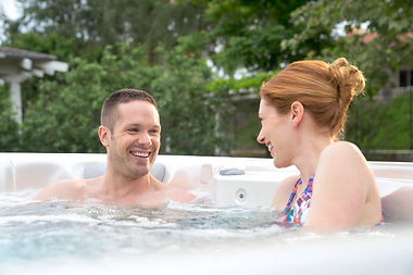 Caldera-2017-Vacanza-Vanto-Hot-Tub-White