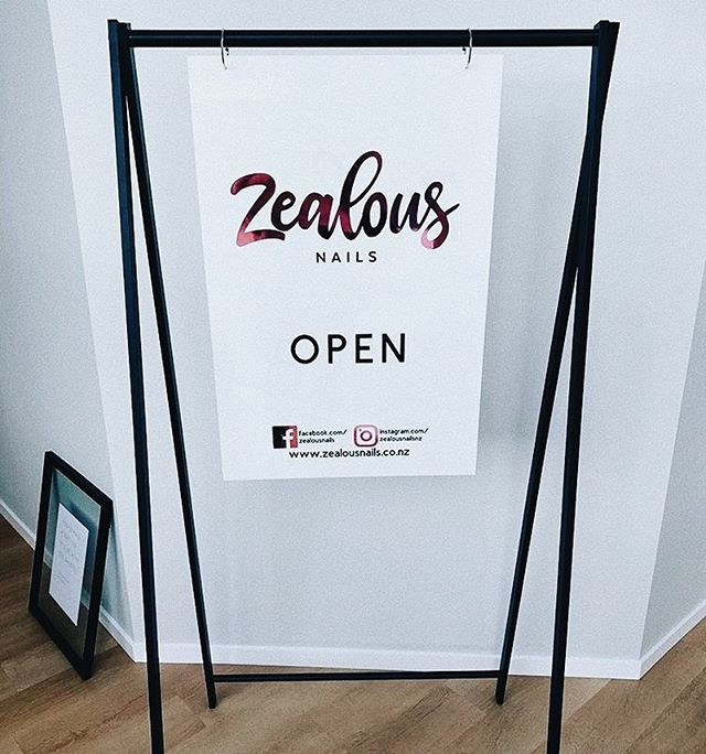 Custom Signage and stand looking 🤩 _zea